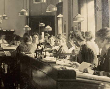 Coupon Department of Barings Bank c1920